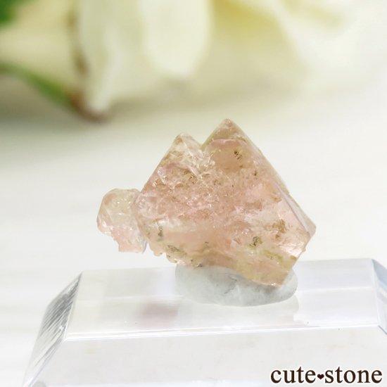 フランス モンブラン産 ピンクフローライトの結晶(原石) 3.8ct