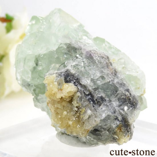 モンゴル産 グリーンフローライト&カルサイトの母岩付き結晶(原石) 62.1gの写真0 cute stone