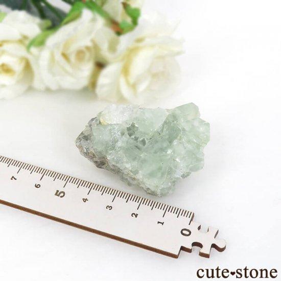 モンゴル産 グリーンフローライト&カルサイトの母岩付き結晶(原石) 62.1gの写真3 cute stone