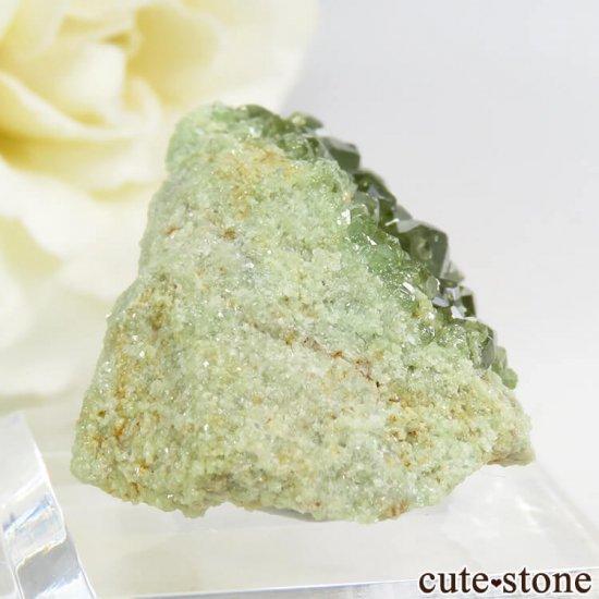 マダガスカル産のデマントイドガーネットの母岩付き原石 11.2gの写真0 cute stone