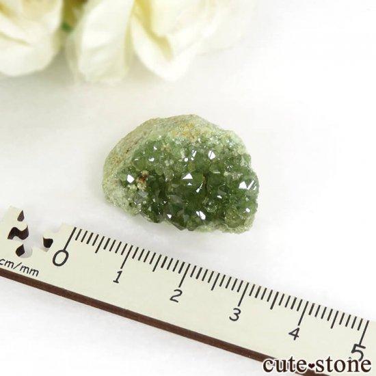 マダガスカル産のデマントイドガーネットの母岩付き原石 11.2gの写真3 cute stone