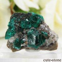 カザフスタン産のダイオプテーズの母岩付き結晶(原石)4.2gの画像