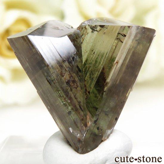 トルコ  Bocsite Mine産 カラーチェンジダイアスポアの双晶(結晶・原石) 4.4gの写真4 cute stone