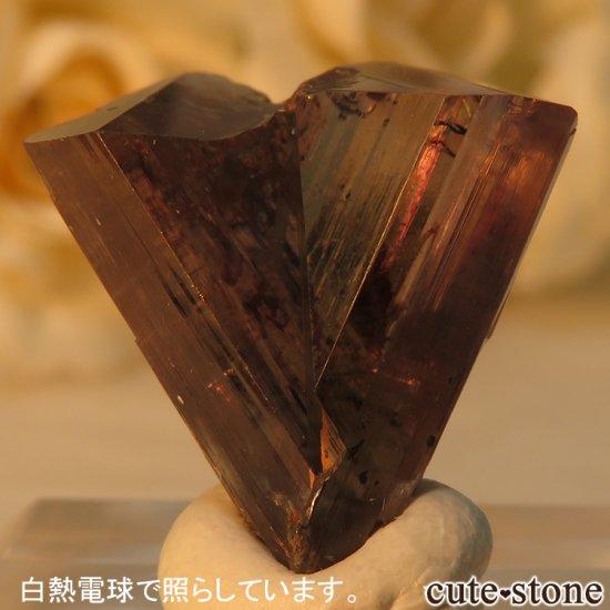 トルコ  Bocsite Mine産 カラーチェンジダイアスポアの双晶(結晶・原石) 4.4gの写真5 cute stone