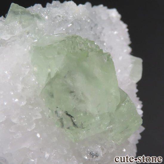 中国 湖南省産 グリーンフローライト&クォーツの共生標本(原石)76gの写真2 cute stone