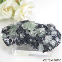 中国 福建省産 グリーンフローライトの母岩付き結晶(原石)45gの画像