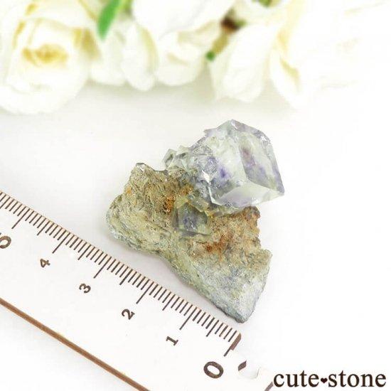 中国 湖南省産 フローライトの母岩付き結晶(原石)18.1gの写真4 cute stone