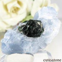 アメリカ産 クリントナイトの結晶(原石) 8gの画像
