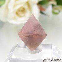 中国 内モンゴル産のピンクフローライトの結晶(原石)1gの画像