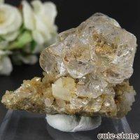 ロシア ダルネゴルスク産 カラーレスフローライト&クォーツの母岩付き結晶(原石) 65gの画像