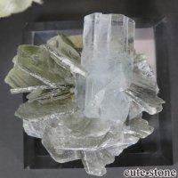 パキスタン Chumar Bakhoor産 アクアマリン&モスコバイトの結晶(原石) 25.3gの画像