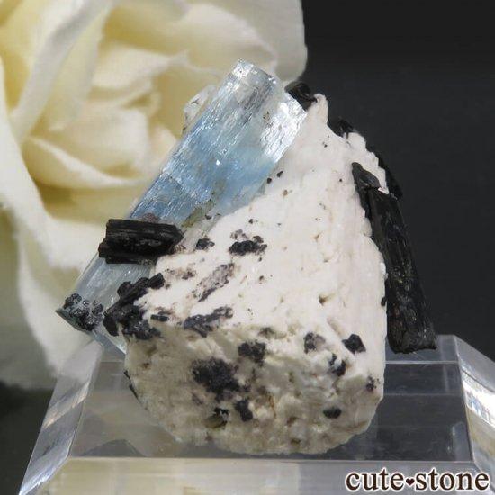 ナミビア エロンゴ産 アクアマリン&ブラックトルマリンの結晶(原石)8.1gの写真2 cute stone