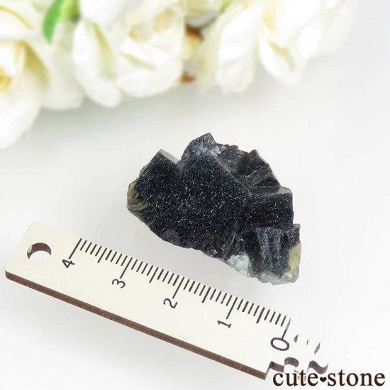 中国 内モンゴル産 針状結晶入りフローライト 15.5gの写真2 cute stone