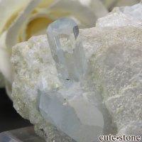 パキスタン スカルドゥ産 アクアマリンの母岩付き結晶(原石)55.8gの画像