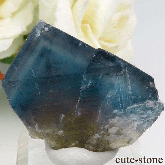 フランス Haute-Loire産 ブルー×イエローフローライトの結晶(原石)19g