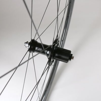 wind40c-rear-hub