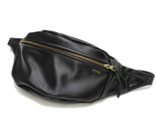 <img class='new_mark_img1' src='//img.shop-pro.jp/img/new/icons47.gif' style='border:none;display:inline;margin:0px;padding:0px;width:auto;' />VANSON NEW FANNY PACK BLACK - LEATHER OVAL PATCH