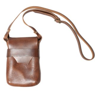 <img class='new_mark_img1' src='//img.shop-pro.jp/img/new/icons47.gif' style='border:none;display:inline;margin:0px;padding:0px;width:auto;' />Fernand Leather Kelly Pouch Medium - Natural