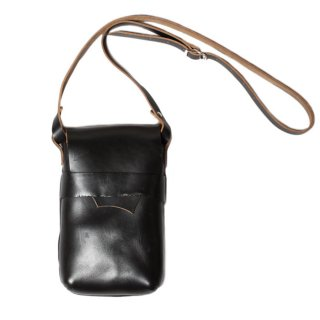 <img class='new_mark_img1' src='https://img.shop-pro.jp/img/new/icons47.gif' style='border:none;display:inline;margin:0px;padding:0px;width:auto;' />Fernand Leather Kelly Pouch Medium - Black