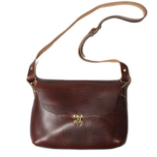 <img class='new_mark_img1' src='//img.shop-pro.jp/img/new/icons21.gif' style='border:none;display:inline;margin:0px;padding:0px;width:auto;' />Fernand Leather Horizontal I-Pad Latch Pouch - Brown