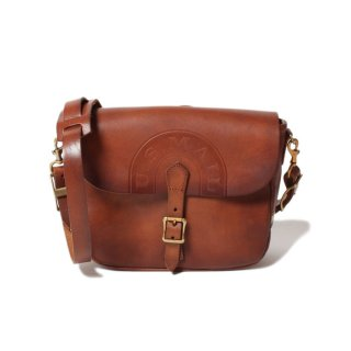 <img class='new_mark_img1' src='https://img.shop-pro.jp/img/new/icons14.gif' style='border:none;display:inline;margin:0px;padding:0px;width:auto;' />VASCO LEATHER POSTMAN MINI SHOULDER BAG (TYPE-2) CAMEL