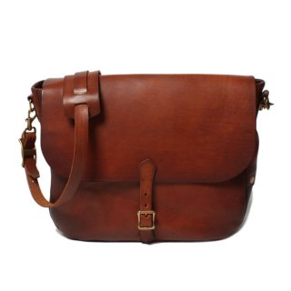 <img class='new_mark_img1' src='https://img.shop-pro.jp/img/new/icons47.gif' style='border:none;display:inline;margin:0px;padding:0px;width:auto;' />VASCO - LEATHER POSTMAN SHOULDER BAG (TYPE-1) CAMEL