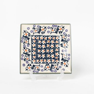 <img class='new_mark_img1' src='https://img.shop-pro.jp/img/new/icons14.gif' style='border:none;display:inline;margin:0px;padding:0px;width:auto;' />Polish Pottery Plate M
