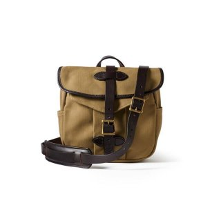 <img class='new_mark_img1' src='https://img.shop-pro.jp/img/new/icons14.gif' style='border:none;display:inline;margin:0px;padding:0px;width:auto;' />FILSON SMALL RUGGED TWILL FIELD BAG TAN