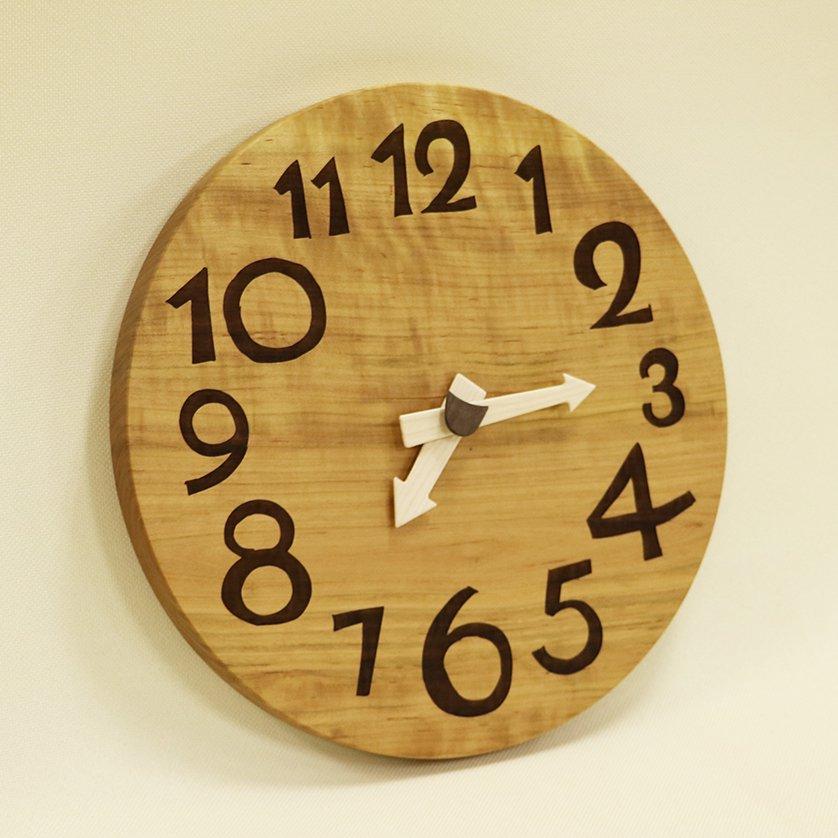 <img class='new_mark_img1' src='https://img.shop-pro.jp/img/new/icons3.gif' style='border:none;display:inline;margin:0px;padding:0px;width:auto;' />木の時計「DECCA(デッカ)」 桜(さくら) クォーツ clock-d-07-sakura