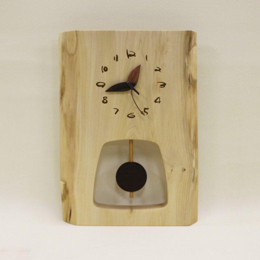 <img class='new_mark_img1' src='https://img.shop-pro.jp/img/new/icons3.gif' style='border:none;display:inline;margin:0px;padding:0px;width:auto;' />木の時計 『森の振り子時計』 L 栃 クォーツ clock-ml-111