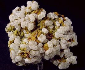 Calcite on Siderite and Sphalerite:方解石、菱鉄鉱、閃亜鉛鉱(ルーマニア)