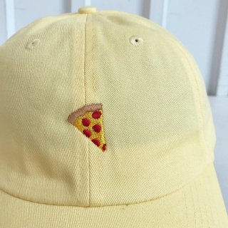 <img class='new_mark_img1' src='https://img.shop-pro.jp/img/new/icons5.gif' style='border:none;display:inline;margin:0px;padding:0px;width:auto;' />PIZZA SKATEBOARDS / Emoji Polo Hat - Butter ピザスケートボード