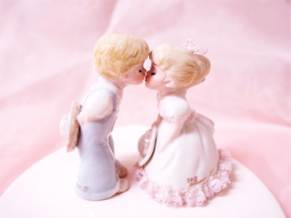 <img class='new_mark_img1' src='https://img.shop-pro.jp/img/new/icons50.gif' style='border:none;display:inline;margin:0px;padding:0px;width:auto;' />Kissing Cousins