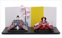 小出松寿作 SOU・SOUテキスタイルの雛人形 「間がさね 桂」と「菊づくし」