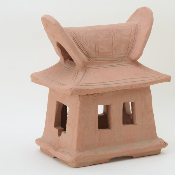 埴輪レプリカ/入母屋造りの家