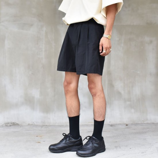 rin / Wide 2Tuck Shorts