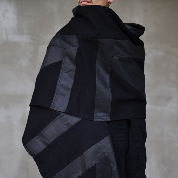 Art Comes First / GIANT SCARF BLACK UNION