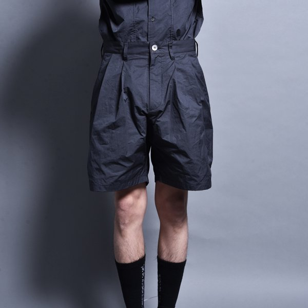rin / Two Tuck Short Pants CARBON BLACK