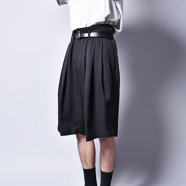 rin / Big Wide 3Tuck Vintage Shorts