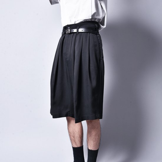 rin / Big Wide 3Tuck Vintage Shorts
