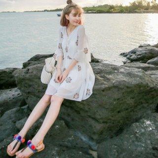リゾート ワンピース コーデ ミニ 花柄 フラワー 刺繍 ふんわり かわいい シフォン 七分袖