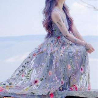【即納】 リゾート ワンピース コーデ ミモレ丈 結婚式 ゲストドレス 長袖 フラワー 花柄 ボタニカル 刺繍 かわいい ガーリー