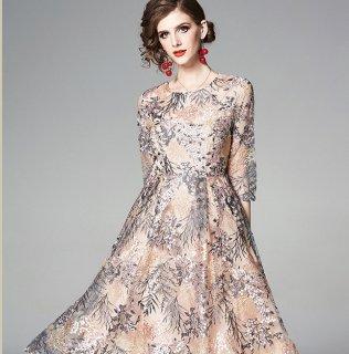 繊細なボタニカル刺繍◇フレアワンピース パーティードレス 大きいサイズ