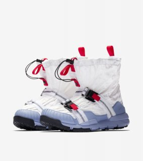 MARS YARD OVER SHOE TOM SACHS《White/Sport Red-Black-Cobalt Bliss》