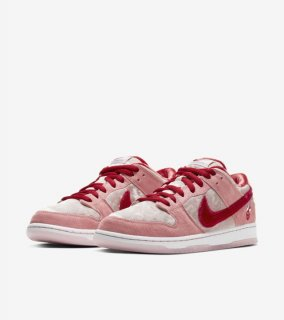 STRANGELOVE × NIKE SB DUNK LOW VALENTINE'S DAY《Bright Melon/Gym Red-Med Soft Pink》