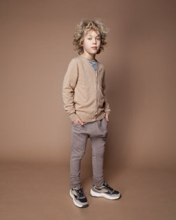 <img class='new_mark_img1' src='//img.shop-pro.jp/img/new/icons14.gif' style='border:none;display:inline;margin:0px;padding:0px;width:auto;' />MINGO  Winter slim fit jogger   /  taupe. 1-2y last one!