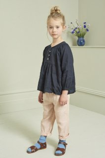 <img class='new_mark_img1' src='https://img.shop-pro.jp/img/new/icons20.gif' style='border:none;display:inline;margin:0px;padding:0px;width:auto;' />CARAMEL  VICTORIA BLOUSE 3Y-6Y / DARK NAVY 40%off