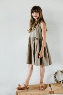 <img class='new_mark_img1' src='//img.shop-pro.jp/img/new/icons20.gif' style='border:none;display:inline;margin:0px;padding:0px;width:auto;' />MINGO  Sleeveless dress / laurel oak 30%off.    1-2y last one!