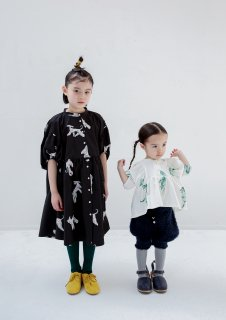 <img class='new_mark_img1' src='https://img.shop-pro.jp/img/new/icons14.gif' style='border:none;display:inline;margin:0px;padding:0px;width:auto;' />folk made  afghan hound dress / black print
