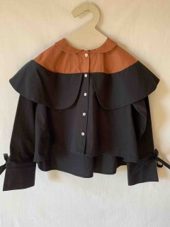 <img class='new_mark_img1' src='https://img.shop-pro.jp/img/new/icons14.gif' style='border:none;display:inline;margin:0px;padding:0px;width:auto;' />folk made.   double collar blouse / brown&black.    M(110-125cm) last one!